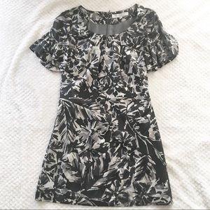 Trina Turk Short Bell Sleeve Patternes Dress
